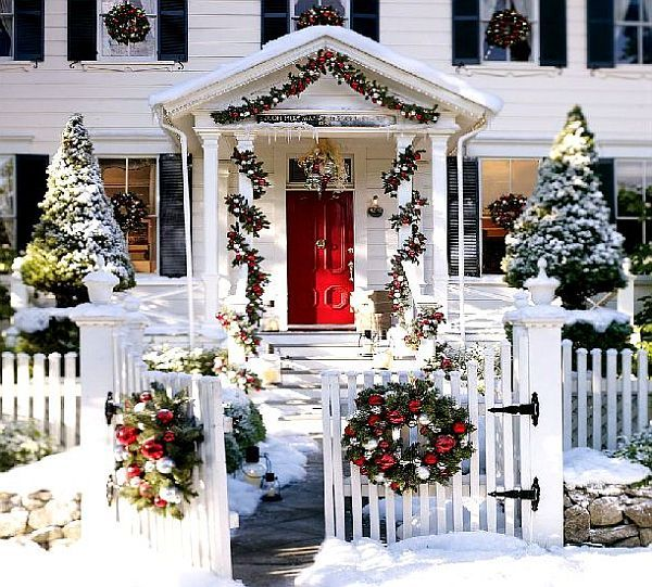 Cape Cod Christmas Decoration