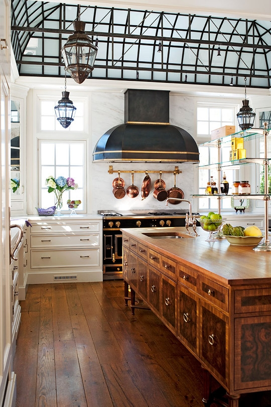 gorgeous traditional kitchen in 18th century style resized 600