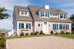 Historic look, Modern spaces and amenities by REEF Builders