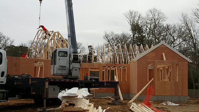 097-160203-roof_trusses_set_with_crane.jpg